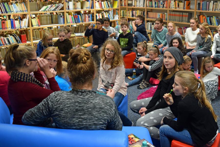 Bundesweiter Vorlesetag: Leseabend am Max war gut besucht