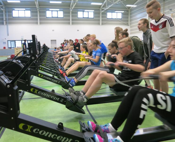 EWE-Rowing-Challenge machte am Max Station-Rudergymnasium richtete neue Indoor-Ruderregatta aus