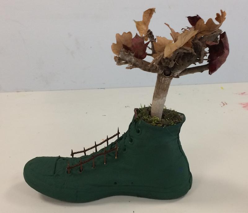 Bericht aus dem Kunstunterricht: Verfremdung eines Schuhs