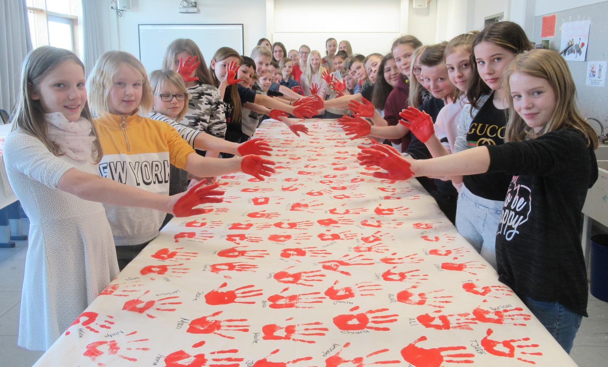Red Hand Day – gegen den Einsatz von Kindersoldaten!