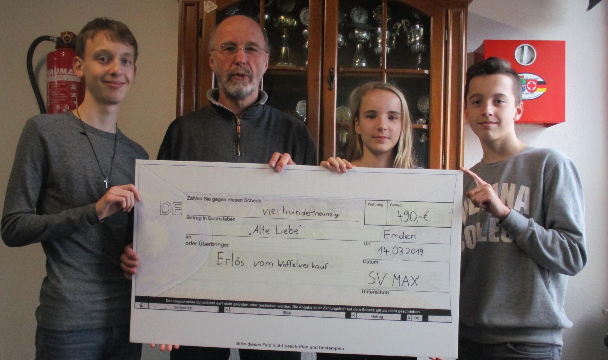 Max-SV übergibt Spenden an Tagesaufenthalt für Obdachlose
