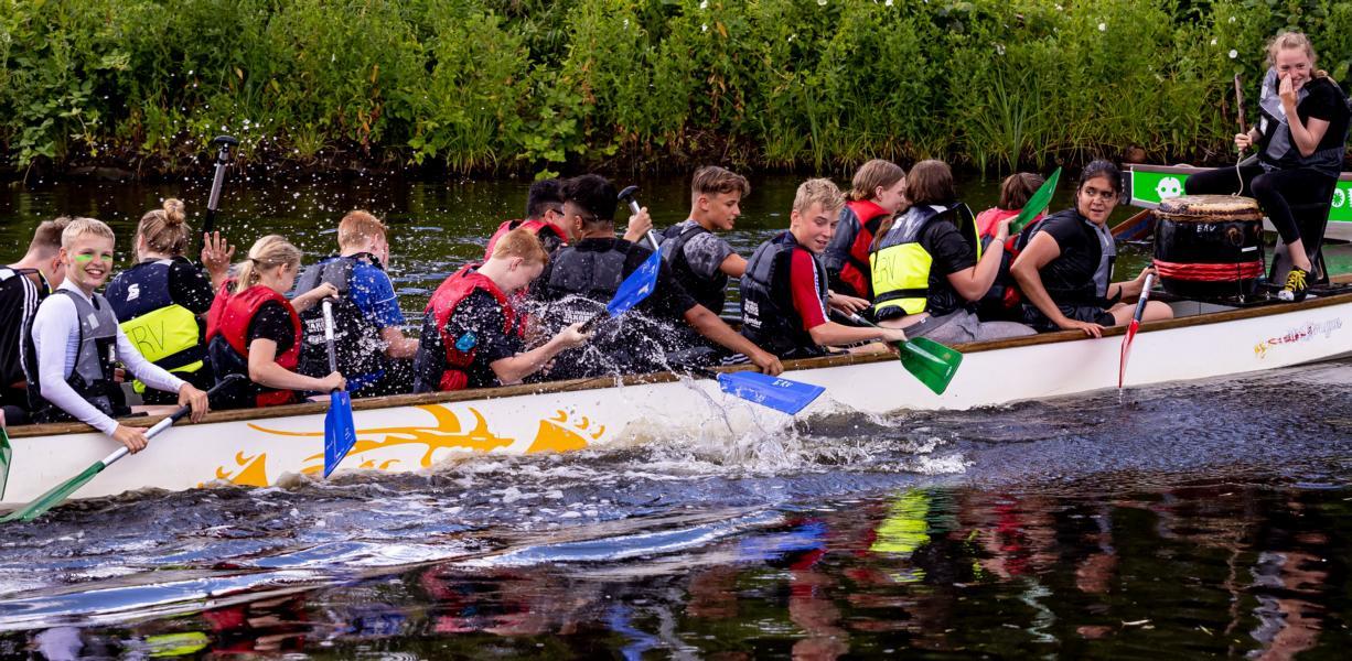 Jubiläums-ReGaTta mit spannenden Drachenboot-Rennen