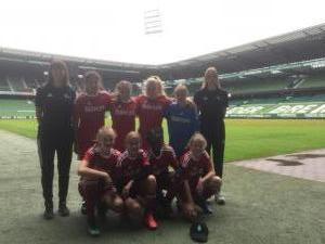 4 Mädchen Stadion