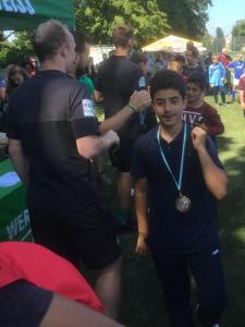 Siegerehrung Jungen Mohammad und Ali