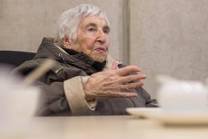 Esther Bejarano in Emden-LR (1)