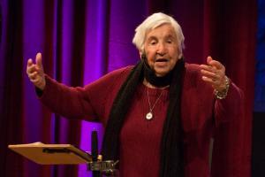 Esther Bejarano in Emden-LR (6)
