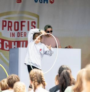 Werder-Profis in der Schule LR (14)