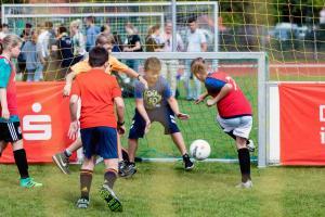Werder-Profis in der Schule LR (15)