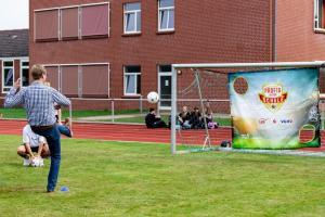 Werder-Profis in der Schule LR (16)