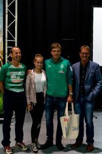 Werder-Profis in der Schule LR (6)
